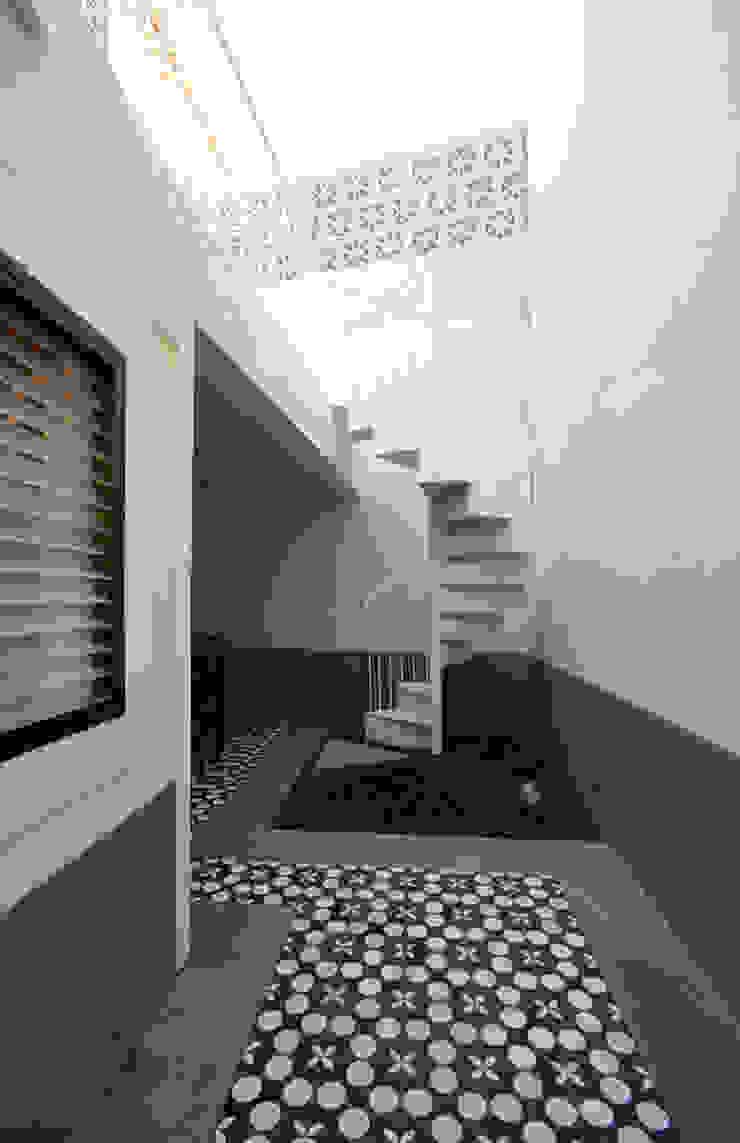 House with Patio Casas modernas por Studio Dois Moderno
