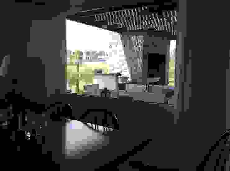 Classic style dining room by Estudio de arq. Tomás Hosmann Classic