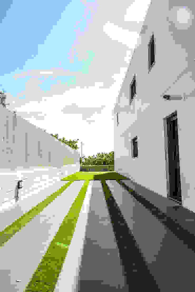 MODULAR HOME Modern style gardens