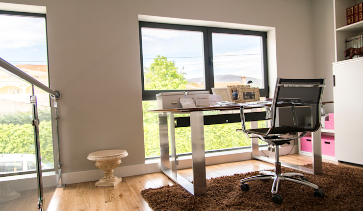 MODULAR HOME Modern style study/office