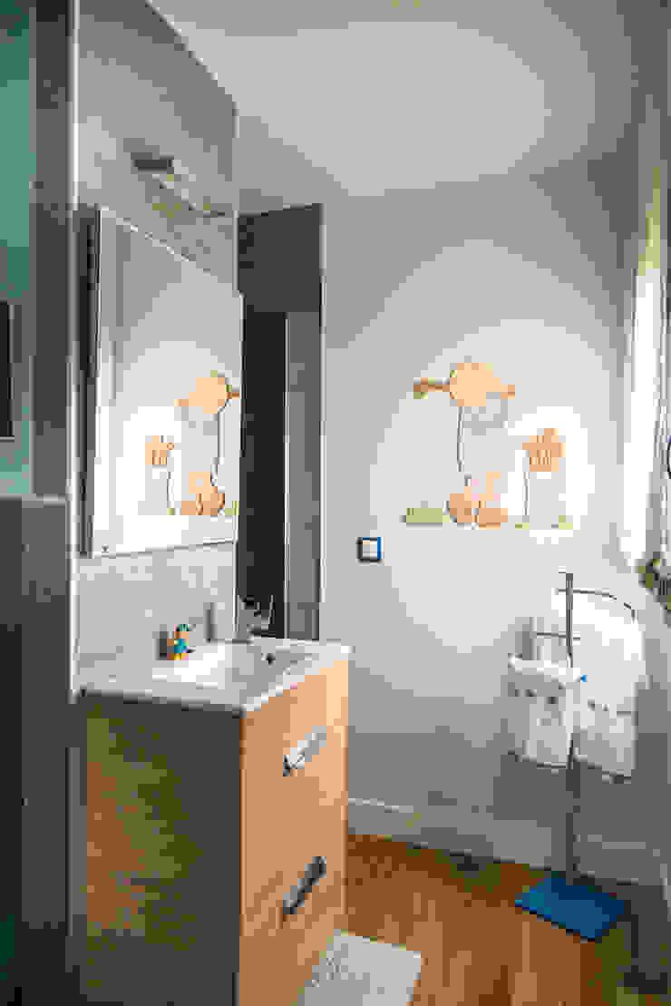 MODULAR HOME Modern style bathrooms