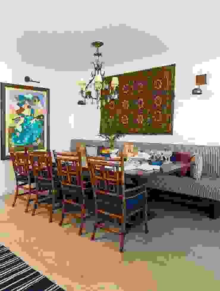 Flavia Guglielmi Arquitetura Mediterranean style dining room