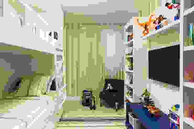 Flavia Guglielmi Arquitetura Mediterranean style nursery/kids room