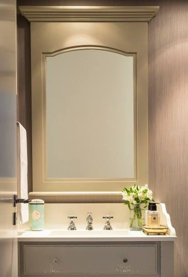 Flavia Guglielmi Arquitetura Mediterranean style bathroom