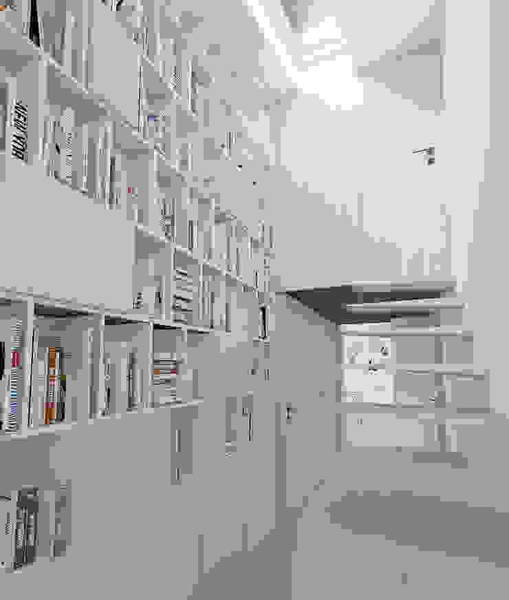 Varq. Oficinas de estilo minimalista