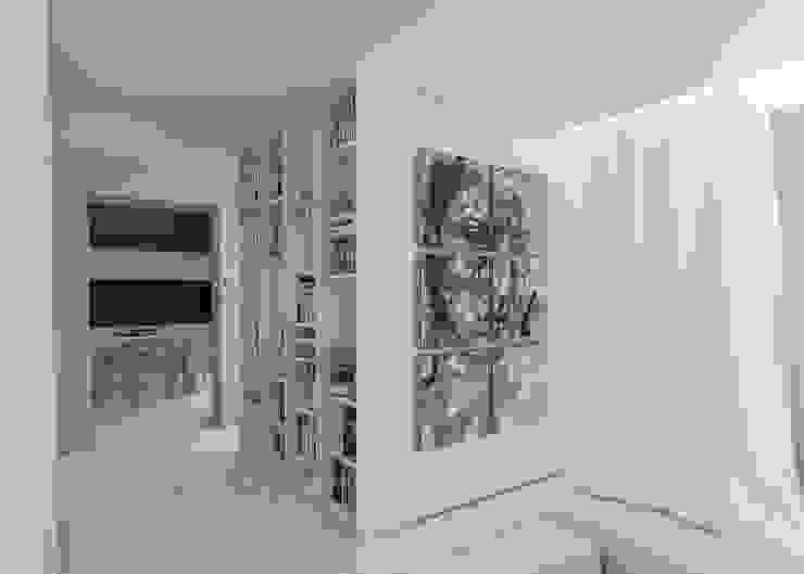Varq. Pasillos, vestíbulos y escaleras de estilo minimalista