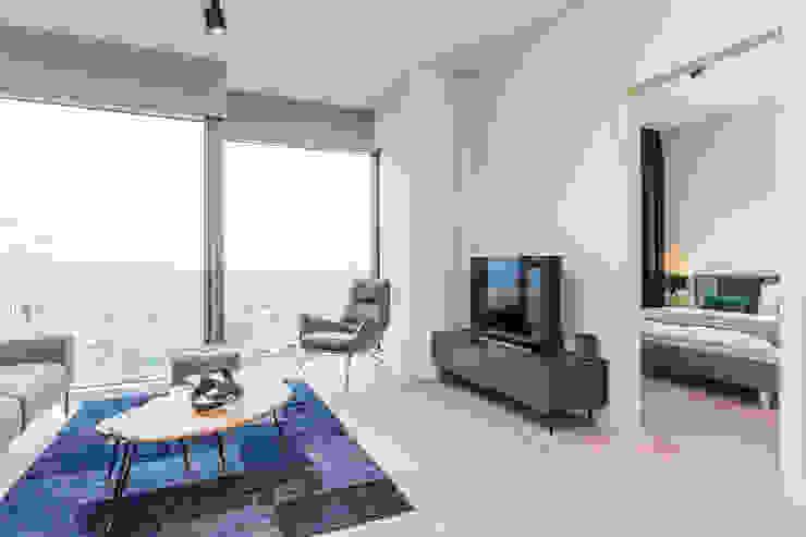 Moderne Wohnzimmer von Michał Młynarczyk Fotograf Wnętrz Modern