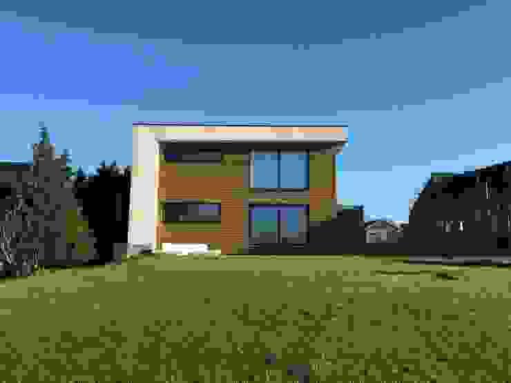 Casas de estilo  de Bureau d'Architectes Desmedt Purnelle,