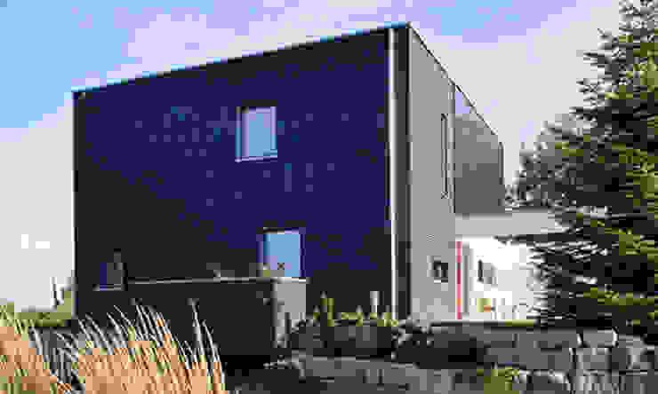 現代房屋設計點子、靈感 & 圖片 根據 SchwörerHaus 現代風