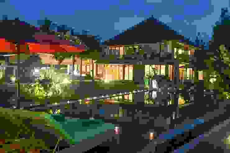 Pool bei Nacht Asiatische Häuser von Buseck Architekten Asiatisch