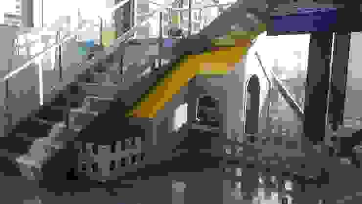 Dormitorios infantiles minimalistas de Bersa İç ve Dış Ticaret Ltd. Şti. Minimalista