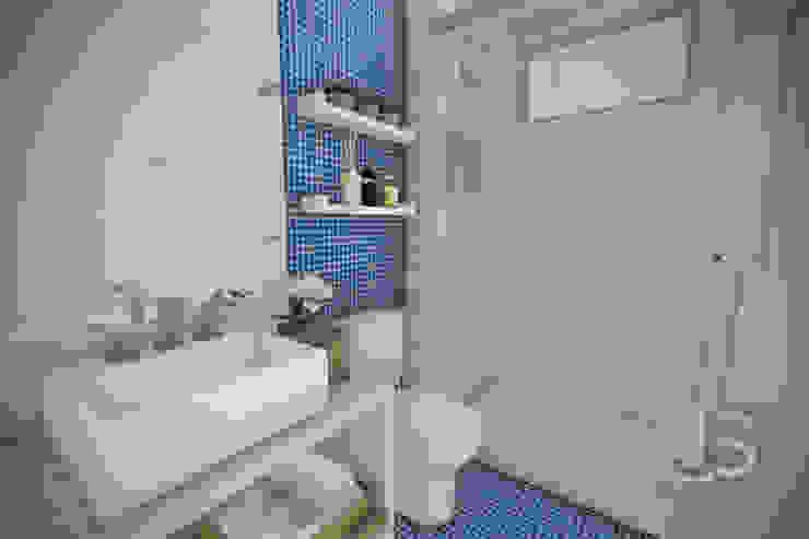 Estudo Casa Itaipu Banheiros modernos por JS Interiores Moderno