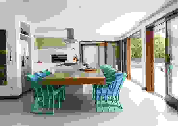 Flavia Guglielmi Arquitetura Modern kitchen