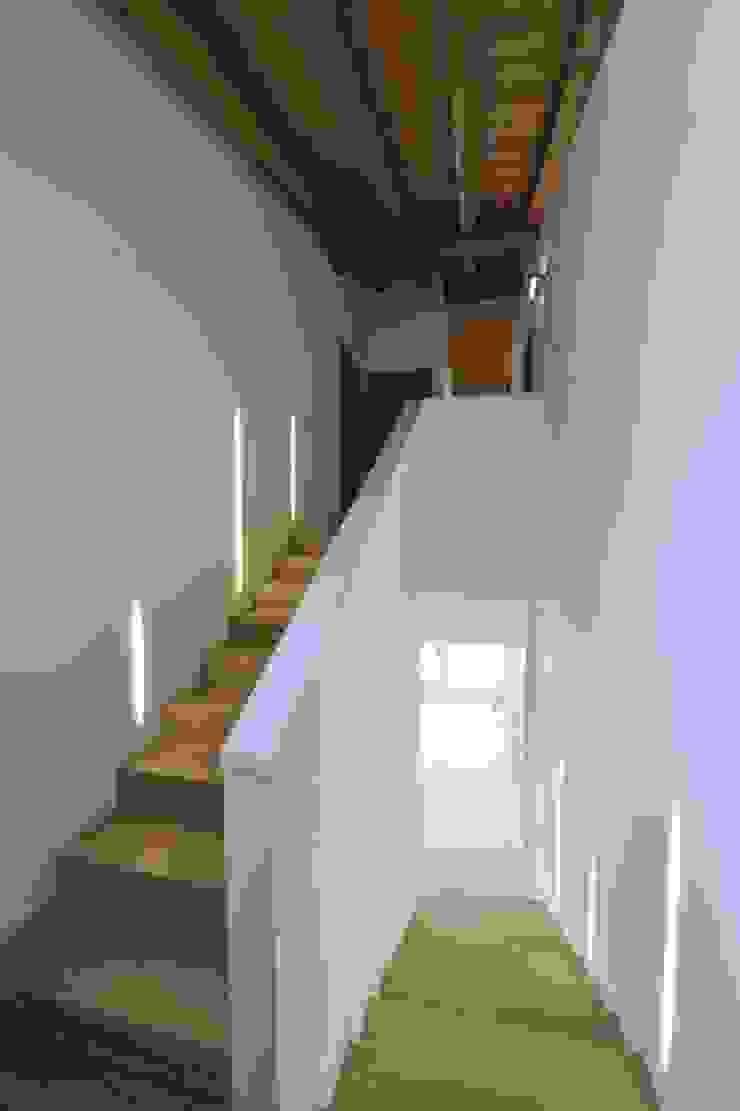 Casa MoDà Ingresso, Corridoio & Scale in stile classico di Architetti Baggio Classico