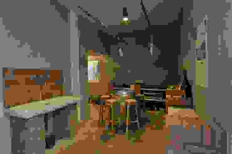 Classic style wine cellar by Architetti Baggio Classic