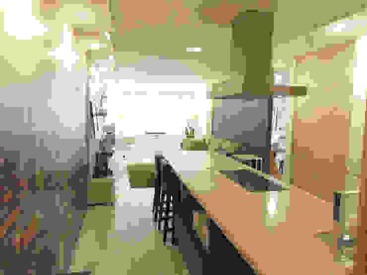 Cucina minimalista di Disens Arquitectos Minimalista