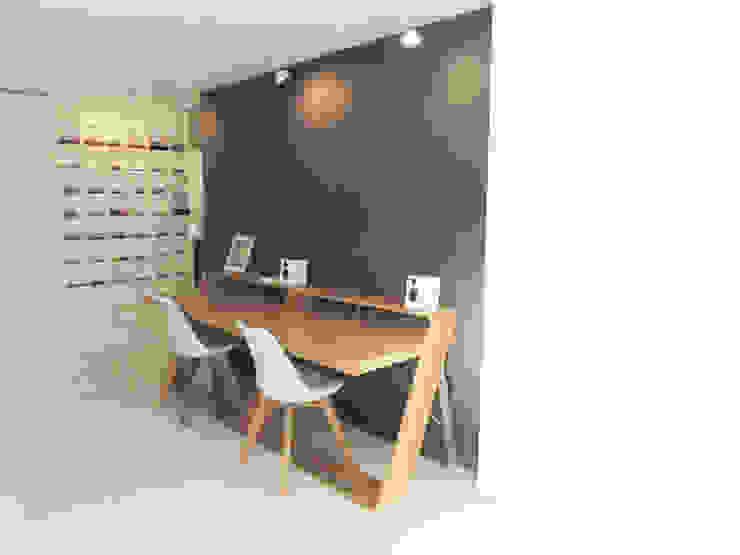 Studio minimalista di Disens Arquitectos Minimalista