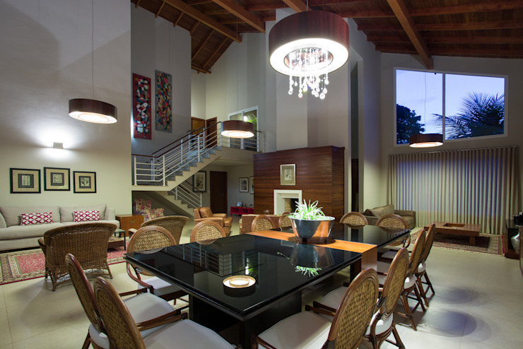Tropical style living room by Cabral Arquitetura Ltda. Tropical Wood Wood effect