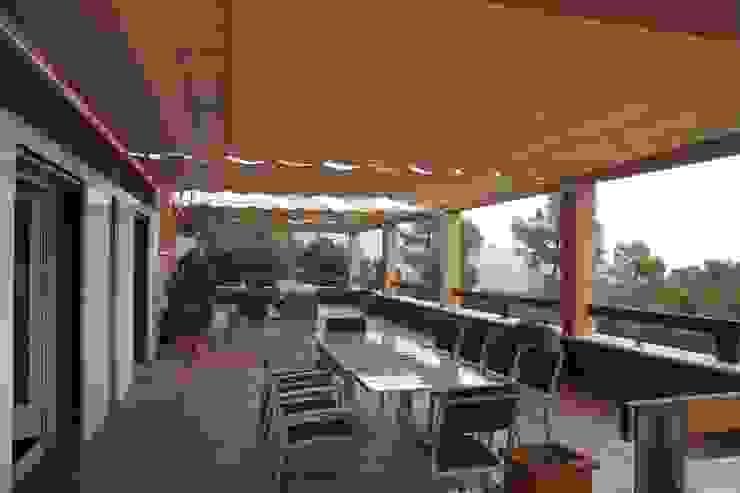 Vivienda en L´Ametlla del Vallès Balcones y terrazas de estilo moderno de Estudi Art de Barcelona, S.L.P. Moderno