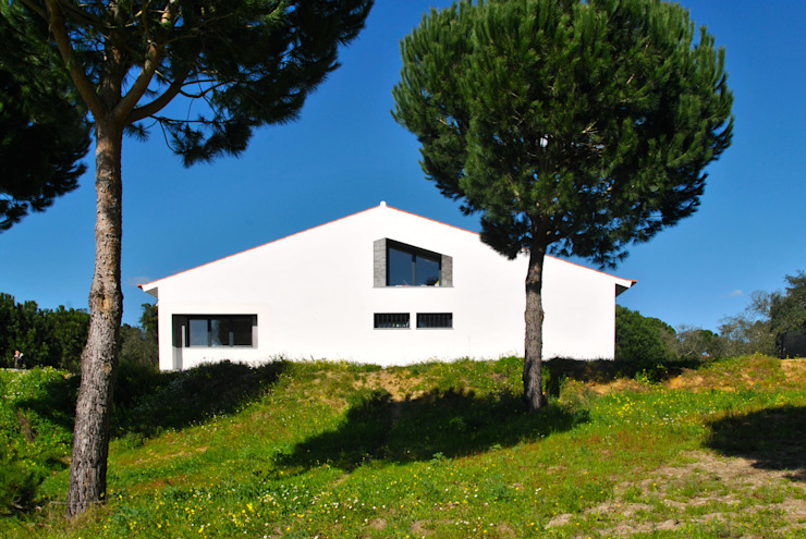 Houses by é ar quitectura, Mediterranean Concrete