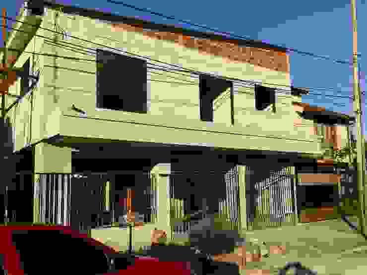 Casas modernas: Ideas, diseños y decoración de GM Arquitectura&Construcción Moderno