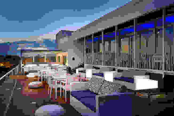 Blue Bar Hotéis mediterrânicos por Pedro Brás - Fotógrafo de Interiores e Arquitectura | Hotelaria | Alojamento Local | Imobiliárias Mediterrânico