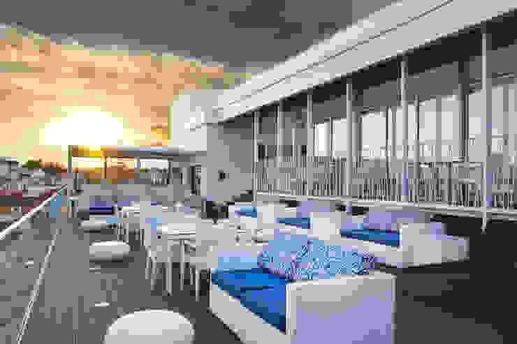 Por do Sol no Blue Bar Hotéis mediterrânicos por Pedro Brás - Fotógrafo de Interiores e Arquitectura | Hotelaria | Alojamento Local | Imobiliárias Mediterrânico
