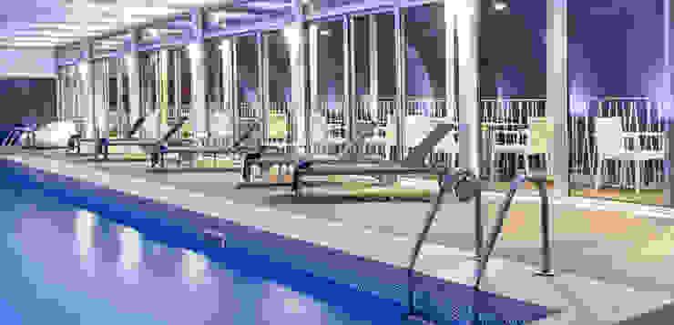 Piscina Interiors Hotéis mediterrânicos por Pedro Brás - Fotógrafo de Interiores e Arquitectura | Hotelaria | Alojamento Local | Imobiliárias Mediterrânico