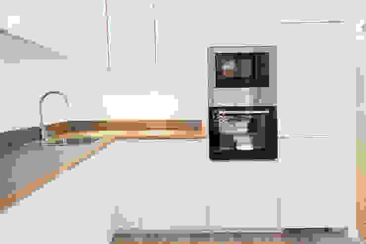 OAK 2000 Salas de estar modernas