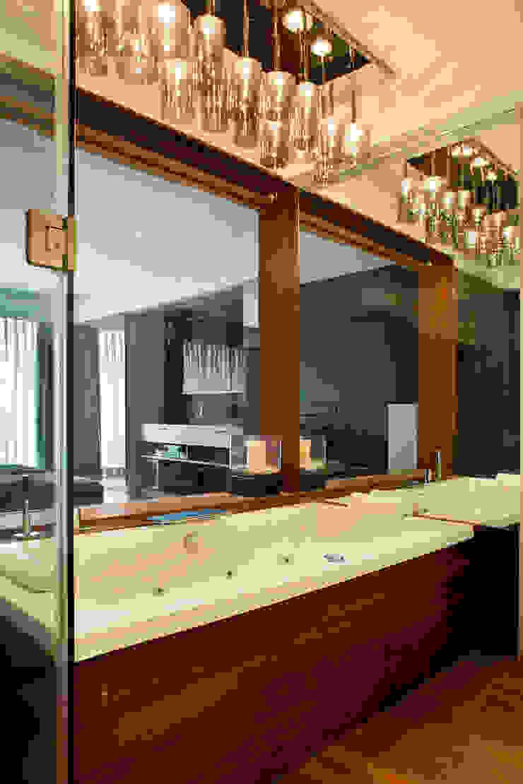 Baños de estilo moderno de Nitido Interior design Moderno Madera maciza Multicolor