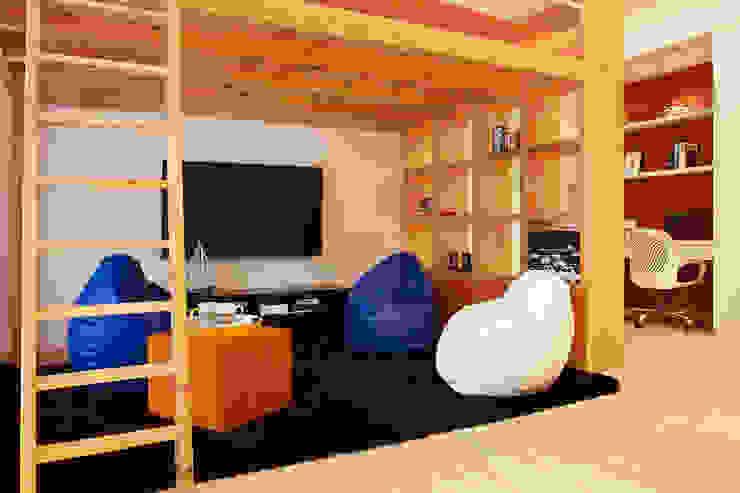 Dormitorios infantiles de estilo moderno de Nitido Interior design Moderno Madera maciza Multicolor
