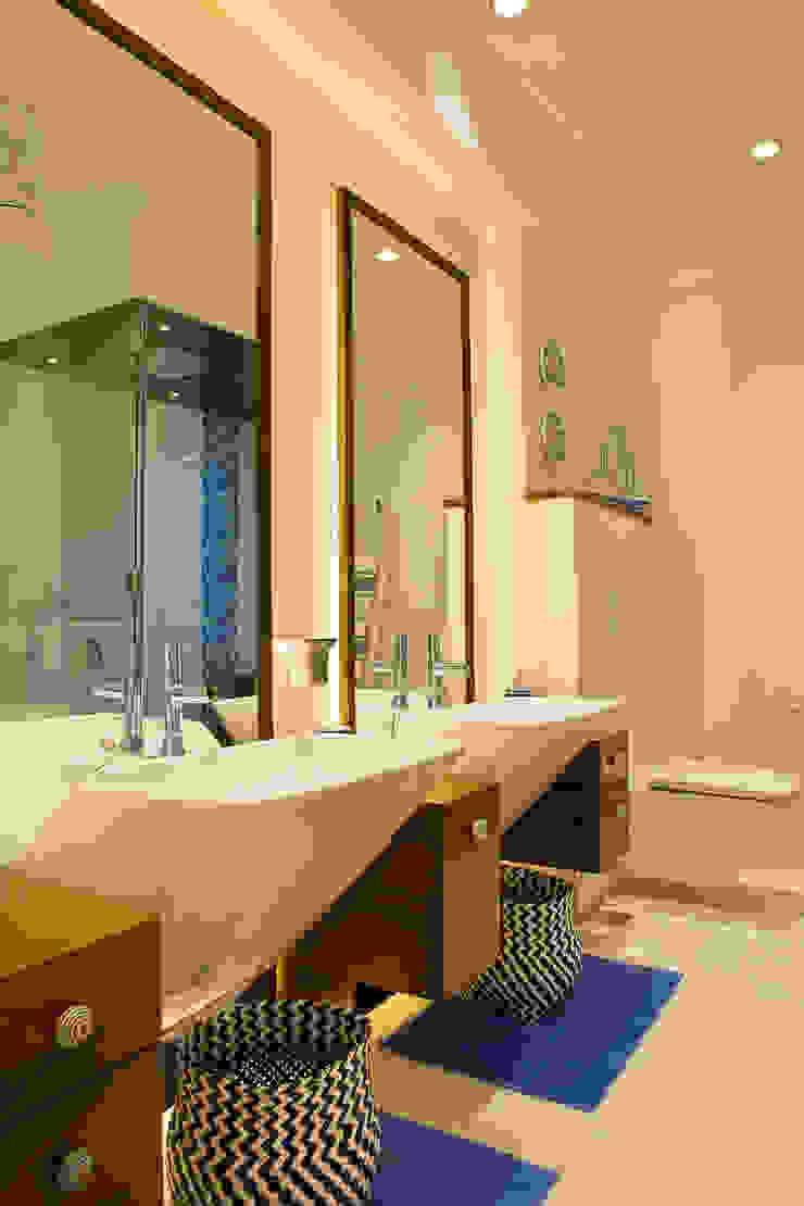 Baños de estilo moderno de Nitido Interior design Moderno Cerámico