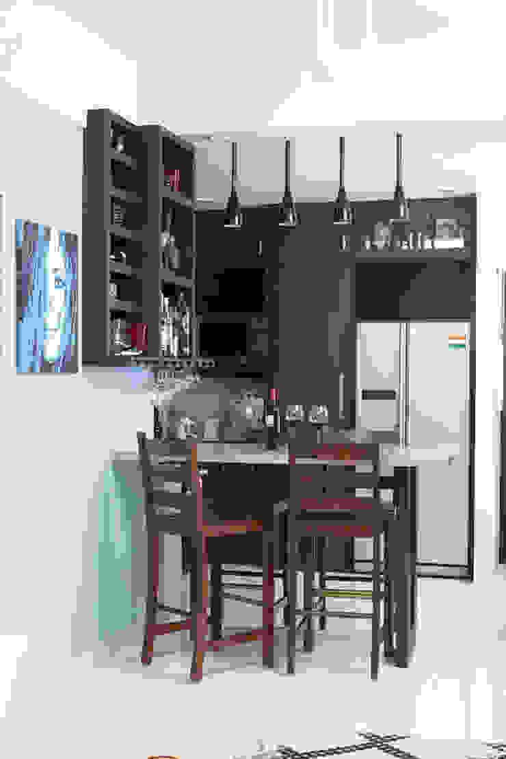 Cocinas de estilo tropical de Nitido Interior design Tropical Madera Acabado en madera