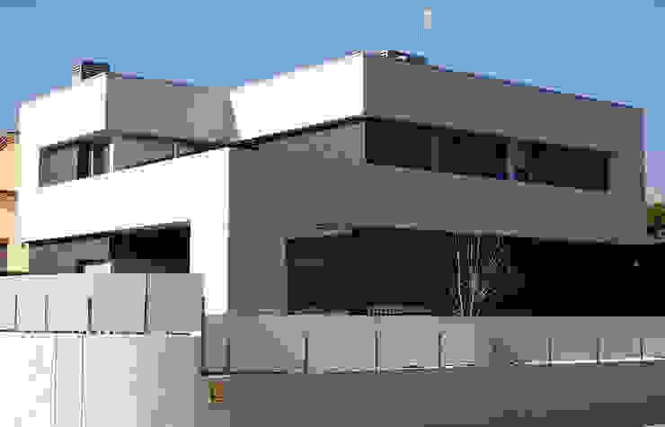 Casa R Casas de estilo clásico de DDV Arquitectura Clásico