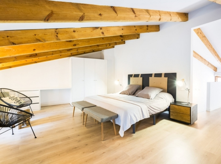 Diseño vintage para una casa de pueblo en Mallorca Dormitorios de estilo moderno de Bornelo Interior Design Moderno