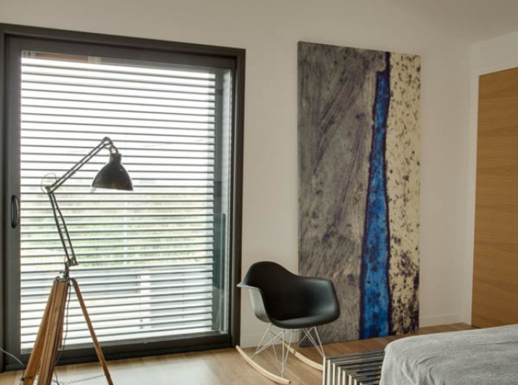 Villa en Sa Cabaneta Dormitorios de estilo moderno de Bornelo Interior Design Moderno