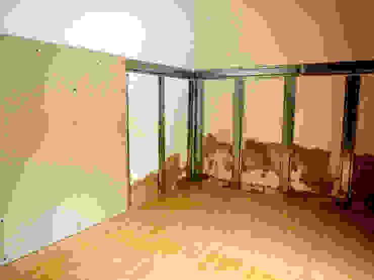 Remodelação / Renovação de Interiores Quartos rústicos por RenoBuild Algarve Rústico