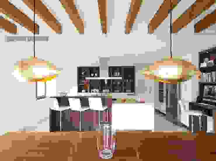 Salas de estar modernas por Bornelo Interior Design Moderno