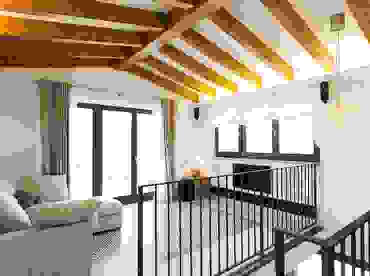 Quartos modernos por Bornelo Interior Design Moderno