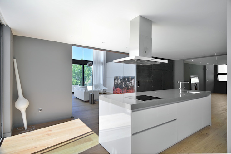 Modern kitchen by MODULAR HOME Modern