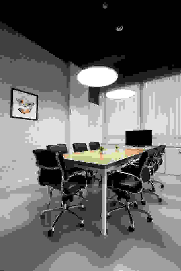 de Nitido Interior design Industrial Madera Acabado en madera