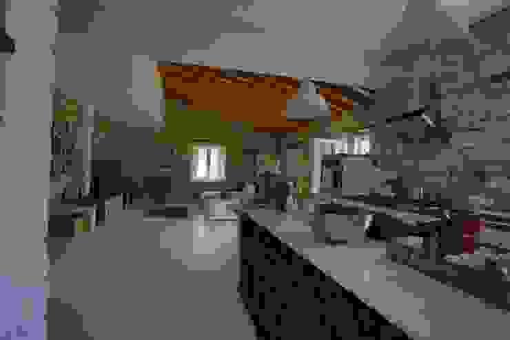 Mediterrane Küchen von İBRAHİM TOPAL YAPI & MİMARLIK Mediterran Stein