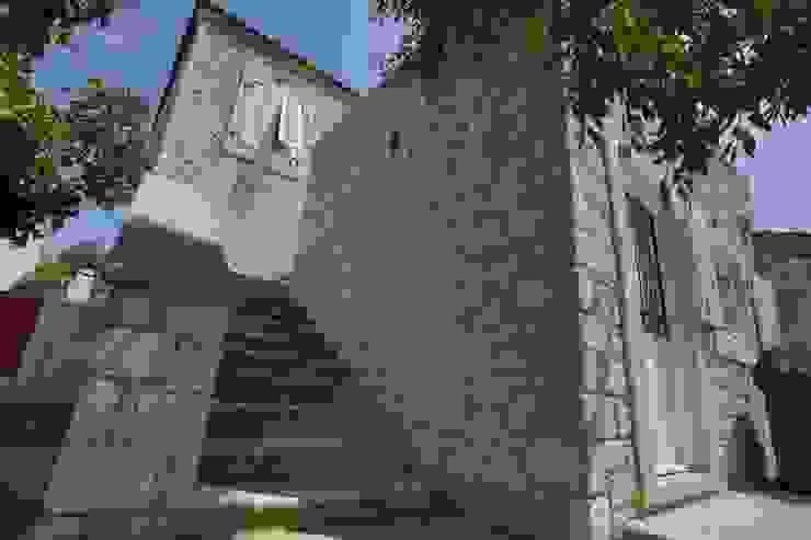 REISDERE EVİ / RESTORASYON PROJESİ Akdeniz Evler İBRAHİM TOPAL YAPI & MİMARLIK Akdeniz Taş