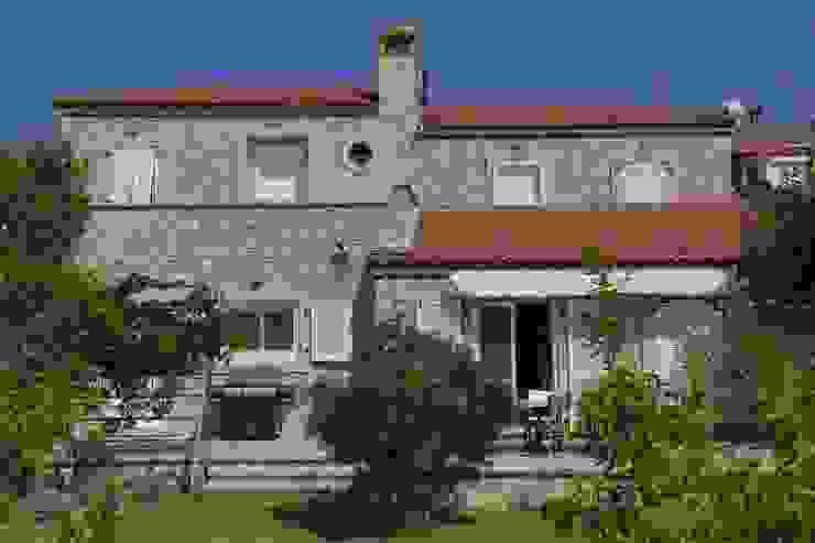Mediterranean style house by İBRAHİM TOPAL YAPI & MİMARLIK Mediterranean Stone