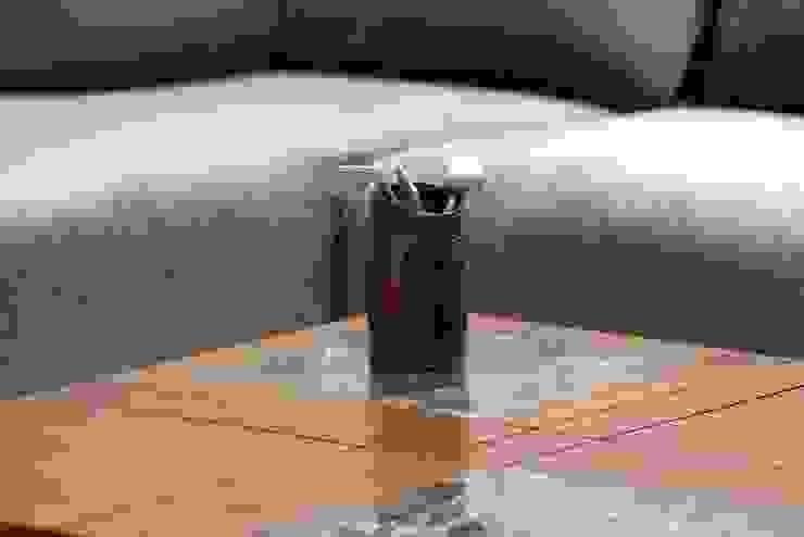 atman and helees flat: modern  by studio 7 designs,Modern