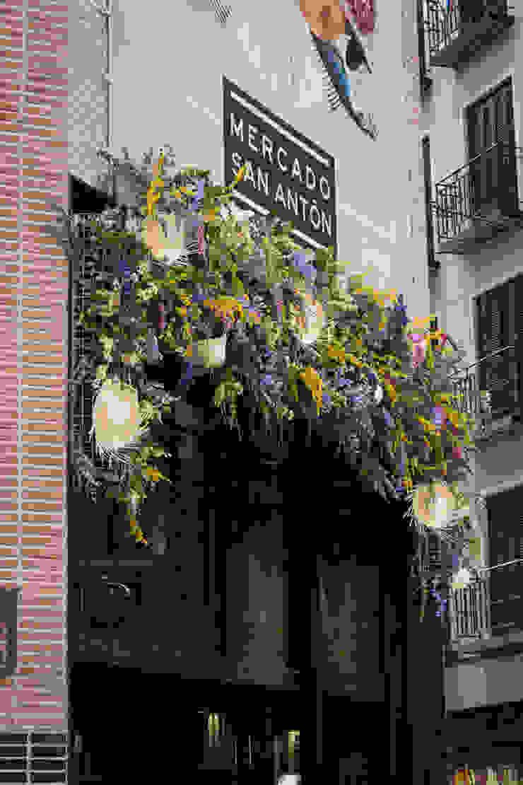Decoración espacio Mercado de San Antón Madrid Diseño de ferias de estilo clásico de DECOLAB LABORATORIO SL Clásico