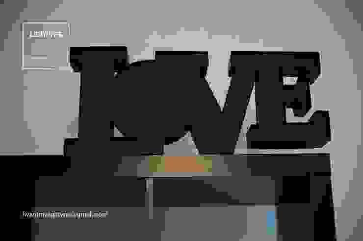 LOVE TYPE por LIGHTYPE Clássico