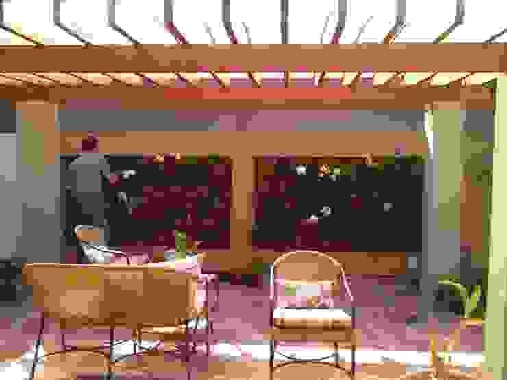 Borges Arquitetura & Paisagismo Giardino tropicale