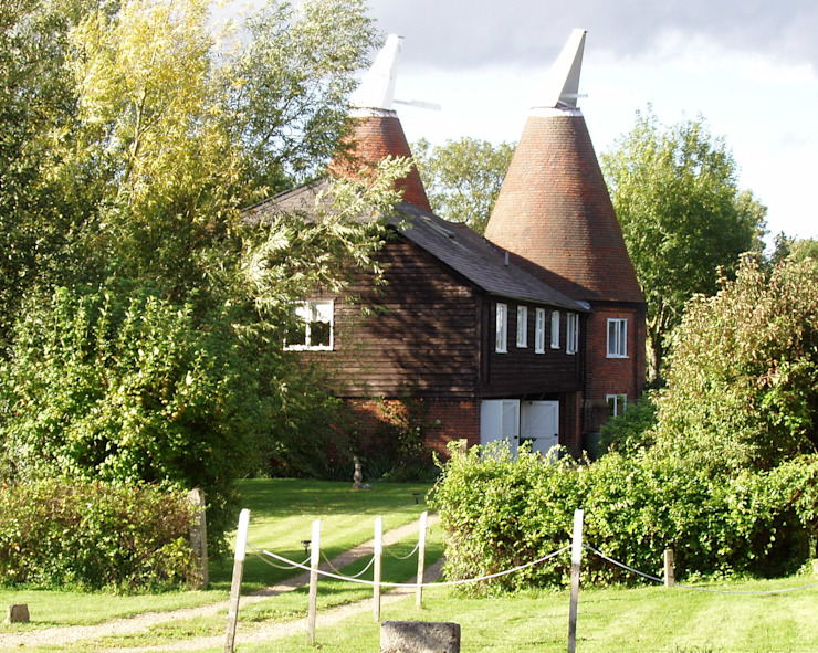 Oast House in Tudeley Kent van Shiny Window Cleaning London Rustiek & Brocante