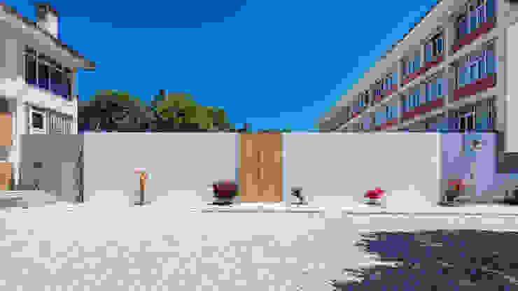 Entrada exterior principal Casas minimalistas por Site Specific Minimalista